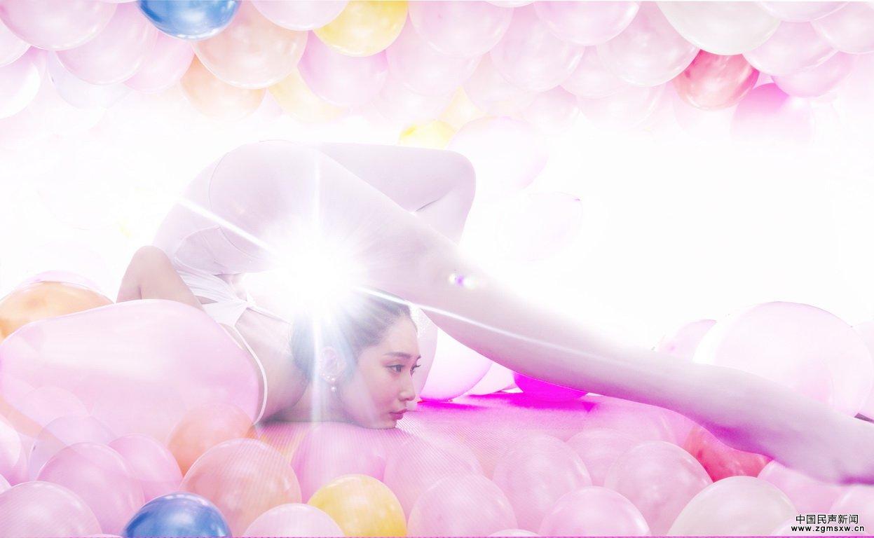 柔术公主曝美照 彩色气球蓬蓬裙显梦幻气质